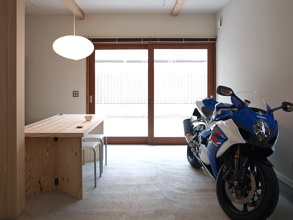 LWH001 小さなバイクガレージハウス